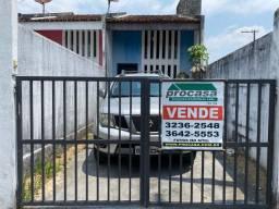 Vende-se Casa No Parque 10 - 1 Quarto - 100 M² - R$ 110.000