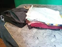 Vende-se roupa usada