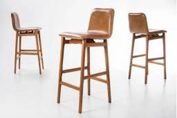 Banquetas de Couro Natural Design Assinado Sato de Ronald Sasson