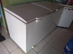 Vendo ou troco freezer semi novo