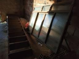 Escada e janela de aço