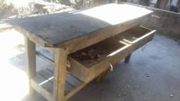 Bancada de madeira