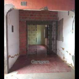 Casa a Venda ( Precisando de Reforma)