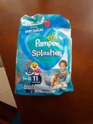 Fraldas Descartáveis - 8 Fraldas Pampers Splashers Tamanho M-G