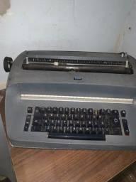 Maquina escrever IBM elétrica
