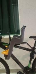 Vendo cadeirinha para acoplar na bike..