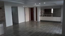 LA026: Apartamento nas Graças: 145m2, 3Quartos, 1Suite, Varanda, Nascente
