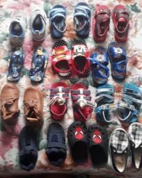 Lote de calçados menino