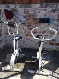 2 bicicletas ergométrica, e 1 simulador de caminhada!!