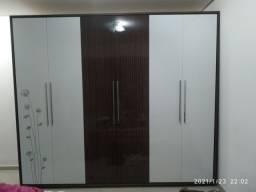 Guarda-roupa 6 portas grande