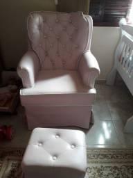 Poltrona com Puff  rosa bebê