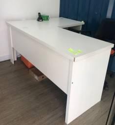 Mesa de escritório ótima qualidade