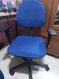 Cadeira de Escritório Giratória NR17
