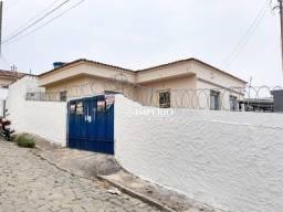 Casa com 3 dormitórios para alugar por R$ 900/mês - Cascalho - Lavras/Minas Gerais