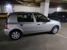 Alugo Renault Clio expression 1.0 com gnv para Uber