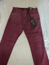 Calça feminina da Marca Jonh Jonh R$99,0