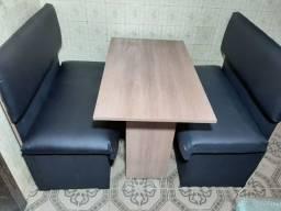 Sofás Booth 08 unidades e 04 mesas em mdf maderado novos, troco. Zap. *.