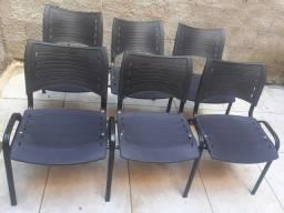Cadeiras de espera....