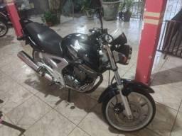 Vendo Honda CBX Twister 250 ano 2005 modelo 06