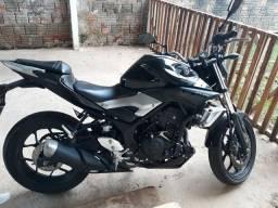 Vendo moto Yamaha mt 03 - 2016