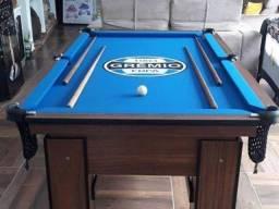 Mesa de 4 pés com Tecido Azul, Cor Imbuia e Logo do Grêmio Mod MSA969