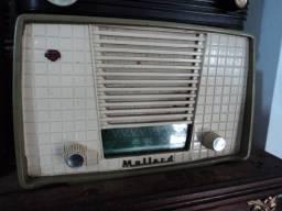 Antigo radio a valvula Mullarde funcionando