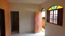 Alugo casa no Bairro Village da Luz