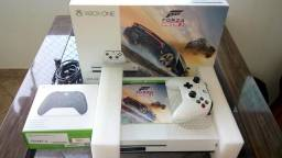 X Box One S 4K 500 GB 2 Controles