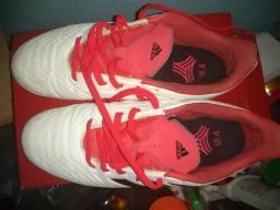 beca92d5e4 Sapato de futsal Adidas predator n39