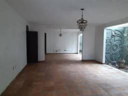 Aluga-se casa no Parque das Colinas, terreno 2.000m2, para salão de recepção R$ 2.500reais