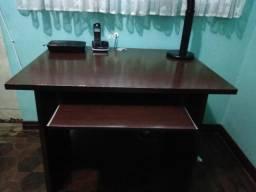 Escrivaninha / Mesa escritório e computador