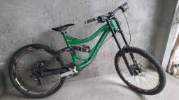 Bicicleta DH Specialized BigHit 2