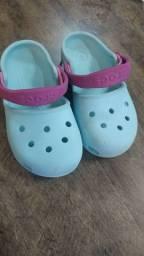 Crocs menina original C10 tamanho 26