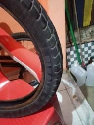 Vendo pneu Rinald