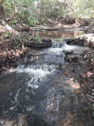 Chácara em aragoiania com agua