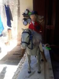 Barbie com cavalo