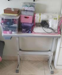 Mesa para máquina de costura - semi nova