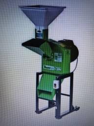 Triturador Forrageiro - TRF 400 2 cv