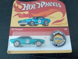 Miniatura Camaro  67 hotwheels, comemoração 50 anos. Para colecionador.