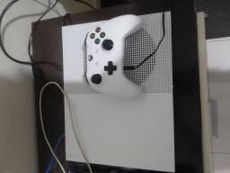 Vendo Xbox one S 1controle (500gb)
