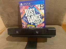 Câmera PS4 Sony original mais suporte para Tv e jogo