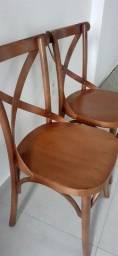 Cadeira em madeira pura