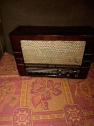 Antigo rádio Semp, caixa de madeira