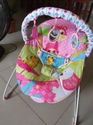 Cadeira de bebê (fibra e faz massagem nas costinhas)
