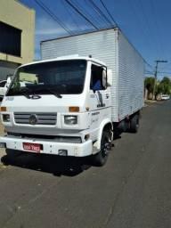 Vendê  se caminhão  3/4 em excelente estado de conservação  tel.34. *