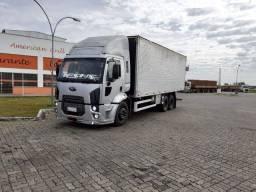 Caminhão truck bau ford cargo 2428 2011 12