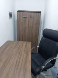 Kit móveis e cadeiras de escritório