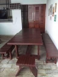 Mesa de madeira Massaranduba