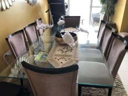 Mesa de jantar 8 lugares.
