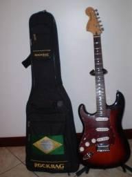 Guitarra Fender Squier Standard  canhoto usada+cordas elixir extras venda